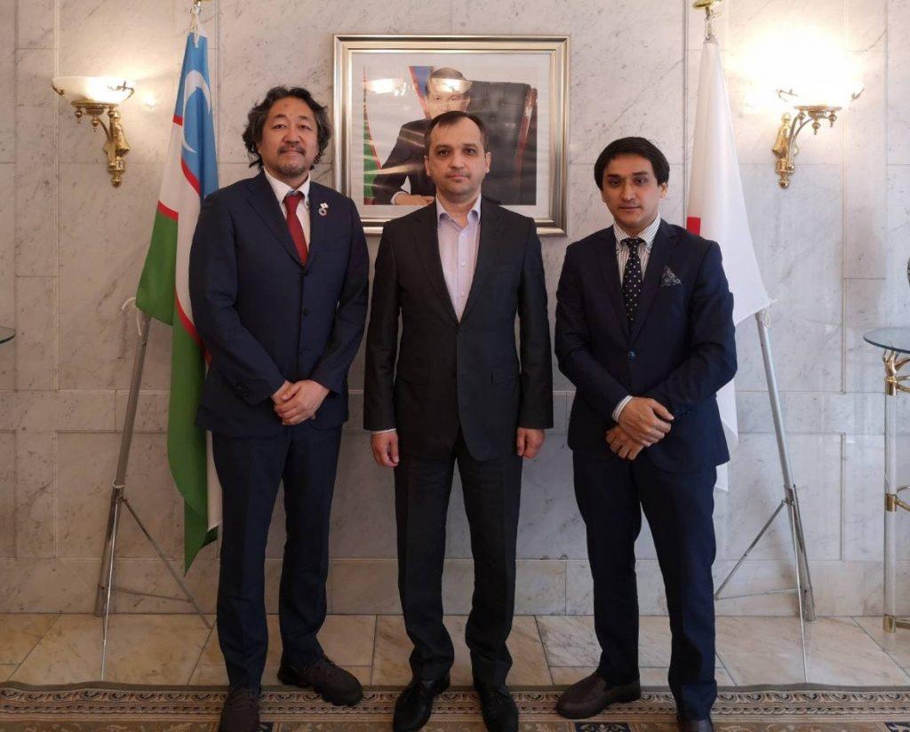 日本国際経済開発機構(JIEDO)はウズベキスタン大使館にマスクを無償提供いたしました。